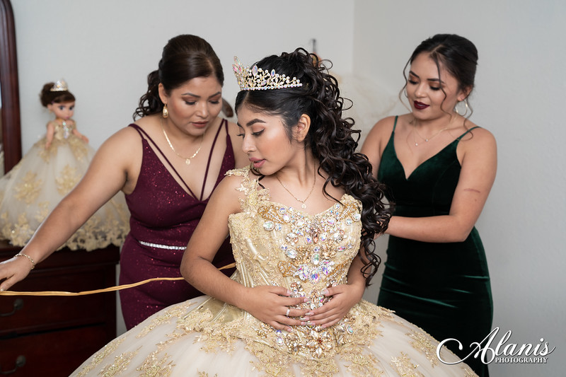 tampa_bay_wedding_quinceanera_photographer_Dalia_PartyDay-15