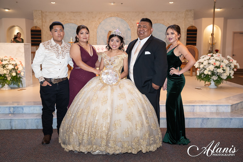 tampa_bay_wedding_quinceanera_photographer_Dalia_PartyDay-108