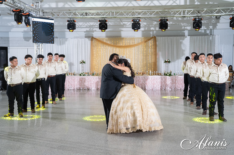 tampa_bay_wedding_quinceanera_photographer_Dalia_PartyDay-235