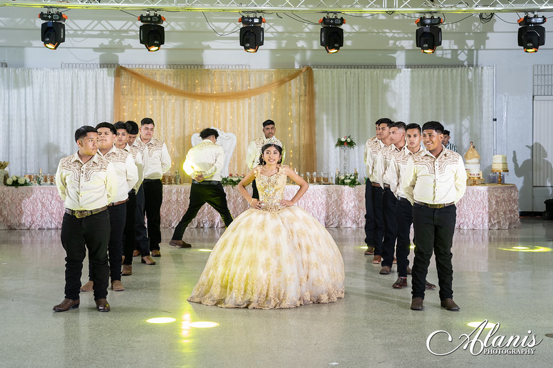 tampa_bay_wedding_quinceanera_photographer_Dalia_PartyDay-205