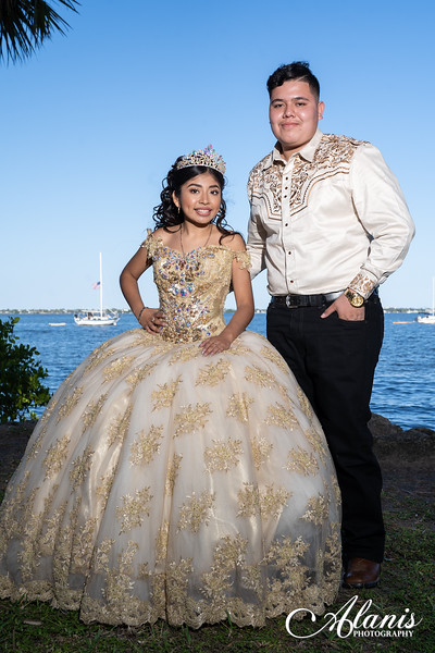 tampa_bay_wedding_quinceanera_photographer_Dalia_PartyDay-145