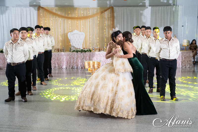 tampa_bay_wedding_quinceanera_photographer_Dalia_PartyDay-228