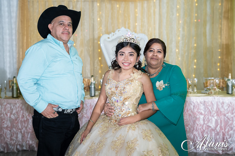 tampa_bay_wedding_quinceanera_photographer_Dalia_PartyDay-352