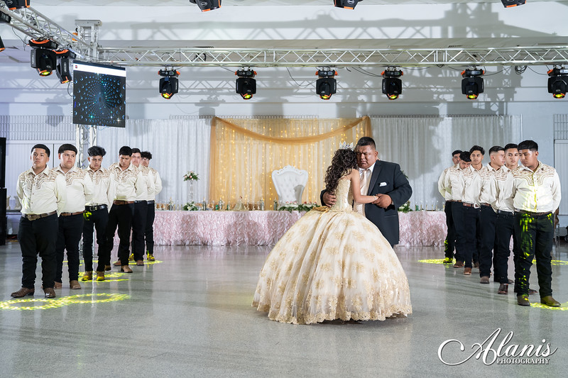 tampa_bay_wedding_quinceanera_photographer_Dalia_PartyDay-239