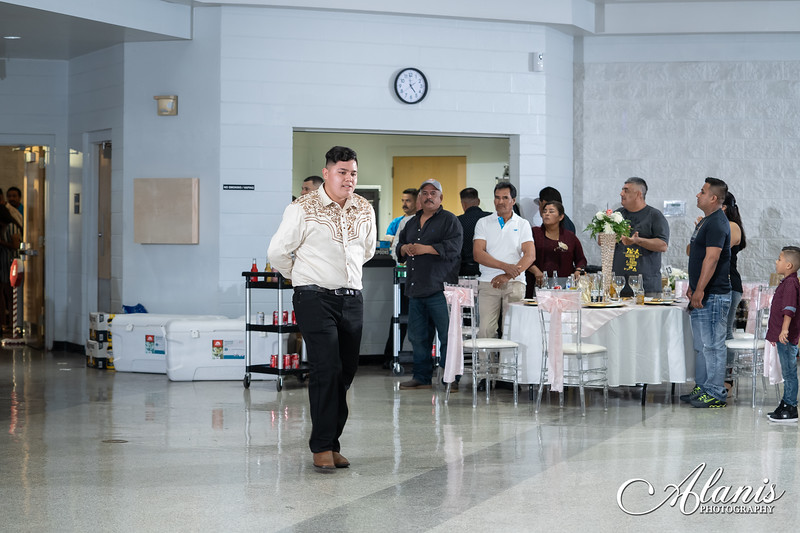 tampa_bay_wedding_quinceanera_photographer_Dalia_PartyDay-190