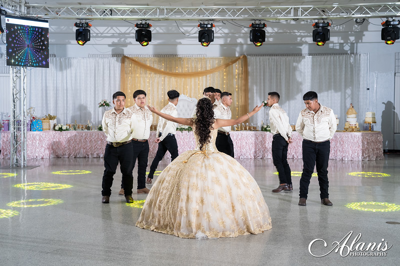 tampa_bay_wedding_quinceanera_photographer_Dalia_PartyDay-208