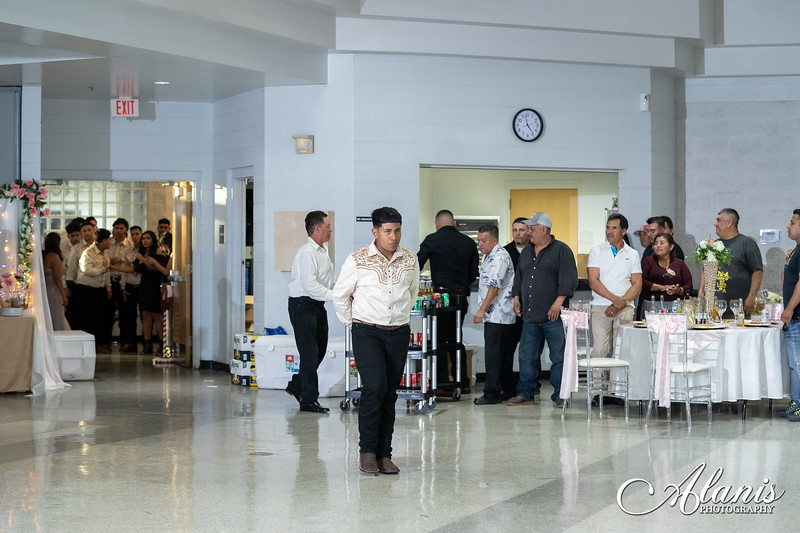 tampa_bay_wedding_quinceanera_photographer_Dalia_PartyDay-183