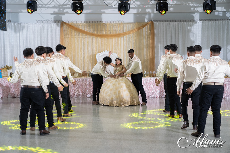 tampa_bay_wedding_quinceanera_photographer_Dalia_PartyDay-216