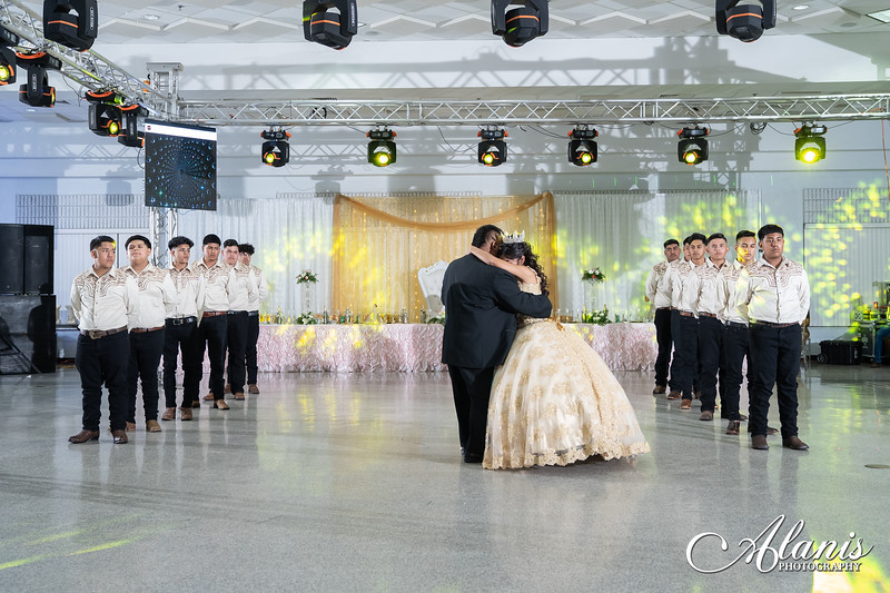 tampa_bay_wedding_quinceanera_photographer_Dalia_PartyDay-240