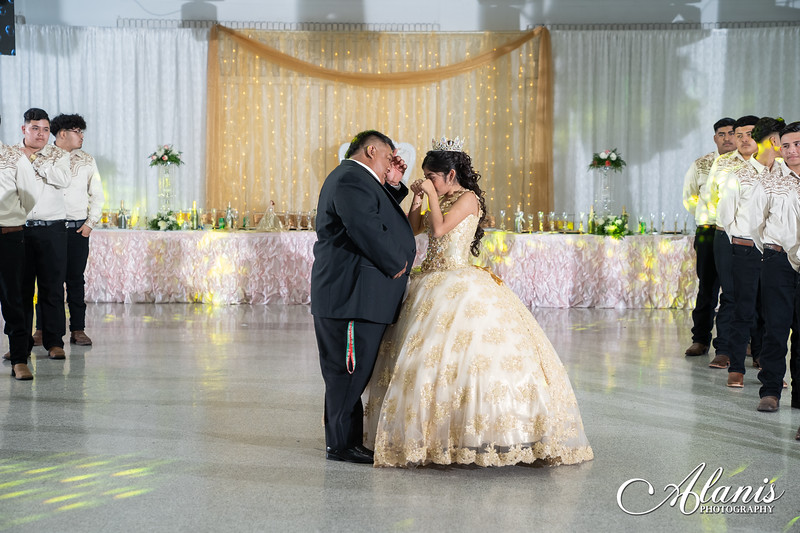 tampa_bay_wedding_quinceanera_photographer_Dalia_PartyDay-244