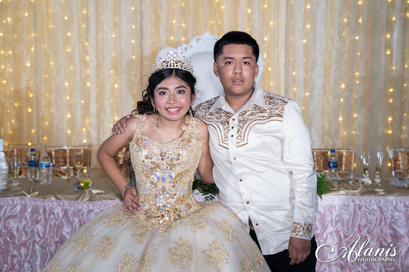 tampa_bay_wedding_quinceanera_photographer_Dalia_PartyDay-376