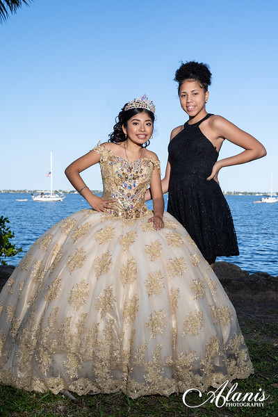 tampa_bay_wedding_quinceanera_photographer_Dalia_PartyDay-151