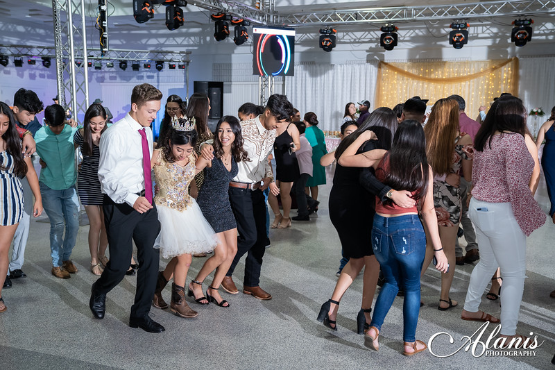 tampa_bay_wedding_quinceanera_photographer_Dalia_PartyDay-331