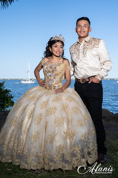 tampa_bay_wedding_quinceanera_photographer_Dalia_PartyDay-143