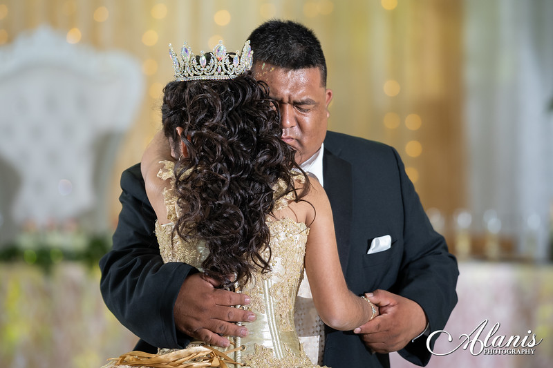 tampa_bay_wedding_quinceanera_photographer_Dalia_PartyDay-245