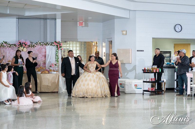 tampa_bay_wedding_quinceanera_photographer_Dalia_PartyDay-196