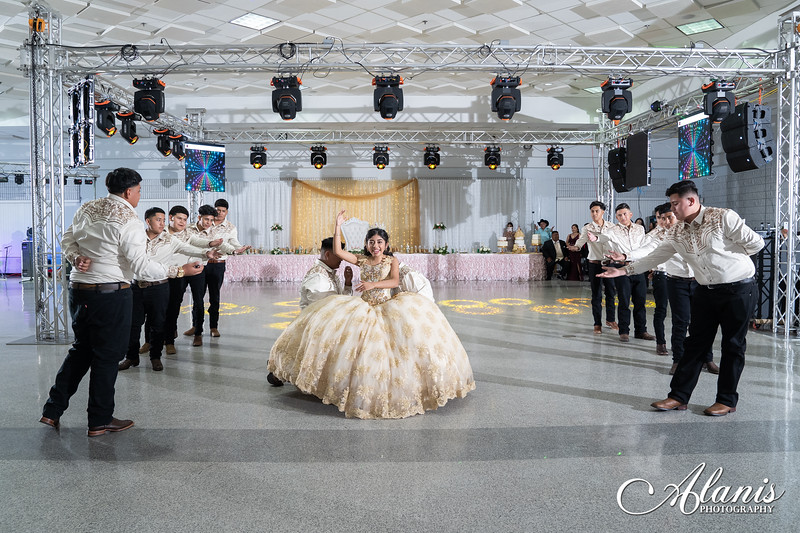 tampa_bay_wedding_quinceanera_photographer_Dalia_PartyDay-265