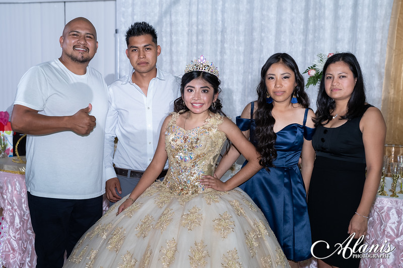 tampa_bay_wedding_quinceanera_photographer_Dalia_PartyDay-366