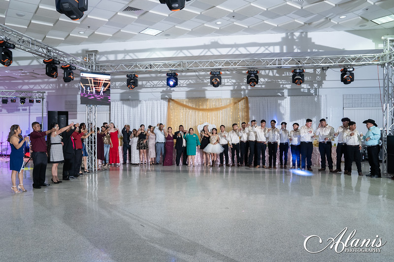 tampa_bay_wedding_quinceanera_photographer_Dalia_PartyDay-318