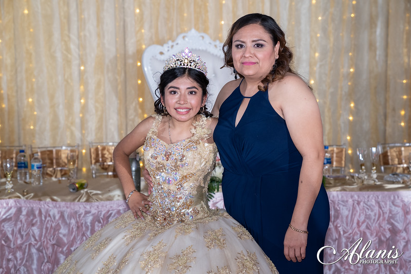 tampa_bay_wedding_quinceanera_photographer_Dalia_PartyDay-377