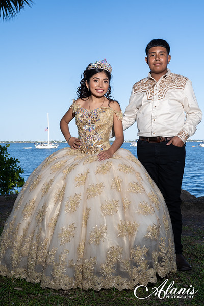 tampa_bay_wedding_quinceanera_photographer_Dalia_PartyDay-144
