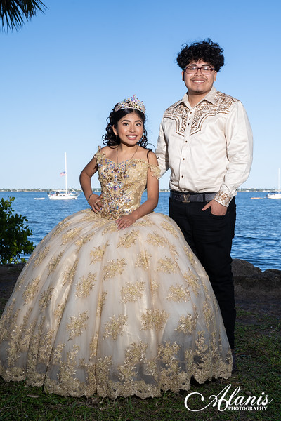 tampa_bay_wedding_quinceanera_photographer_Dalia_PartyDay-137
