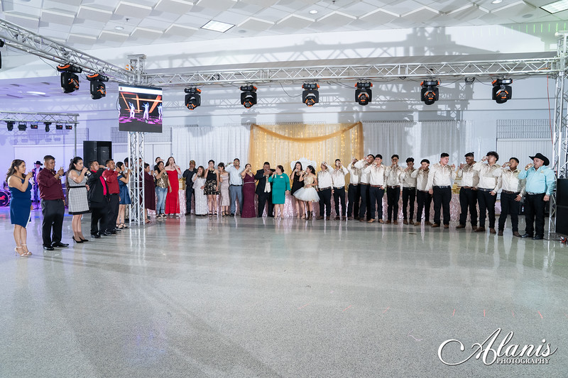 tampa_bay_wedding_quinceanera_photographer_Dalia_PartyDay-321