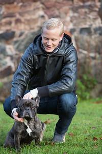 porträttbilder an sprointern Johan Wissman, Jessica Samuelsson och hunden Johannes
