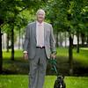 bildreportage om Politiker Sten Nordin och hunden Balder