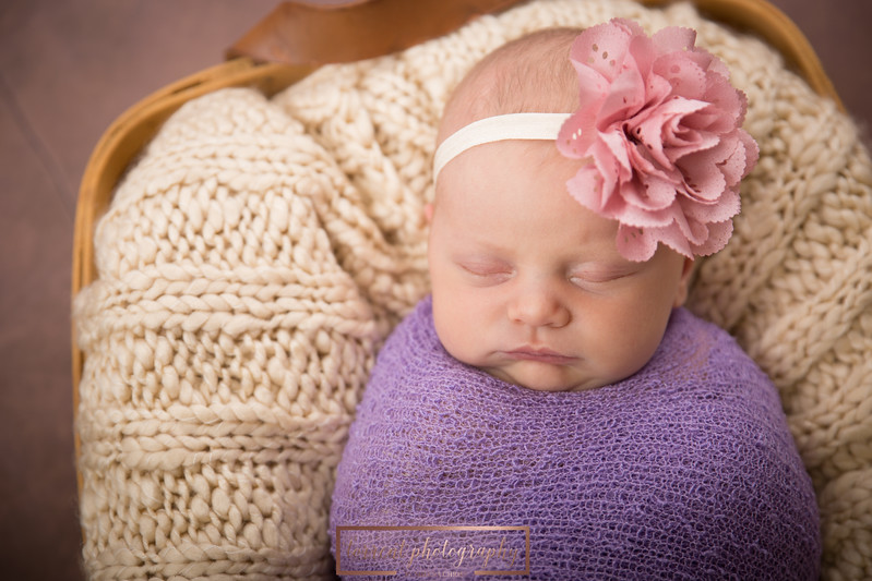 Brittany Button Newborn (39 of 47)