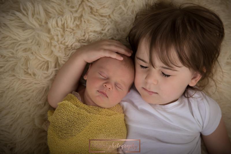 Brittany Button Newborn (16 of 47)