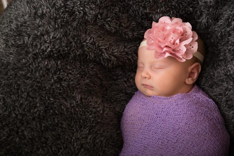 Brittany Button Newborn (46 of 47)