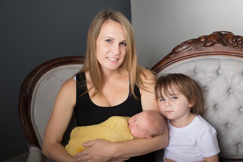 Brittany Button Newborn (31 of 47)