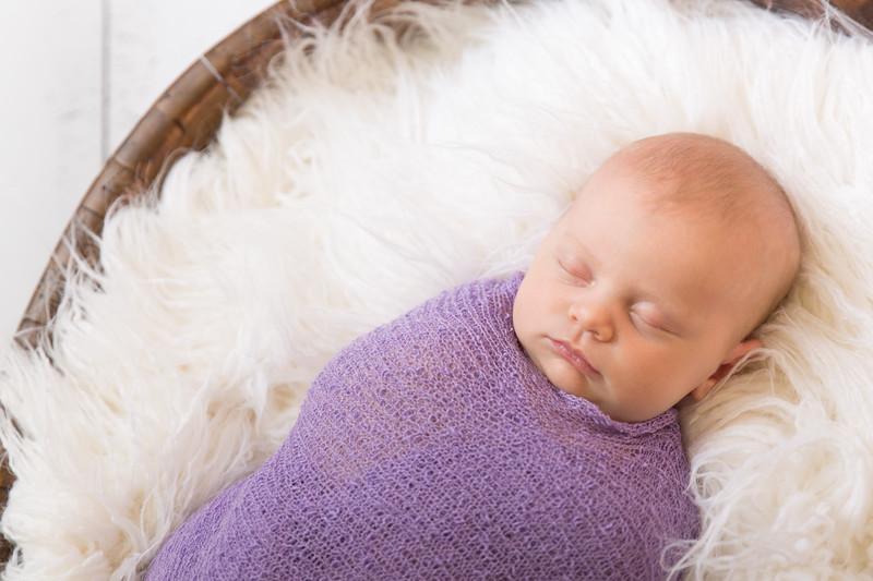 Brittany Button Newborn (43 of 47)