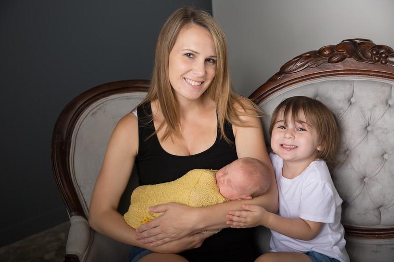 Brittany Button Newborn (28 of 47)