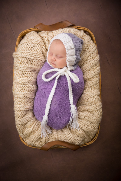 Brittany Button Newborn (35 of 47)