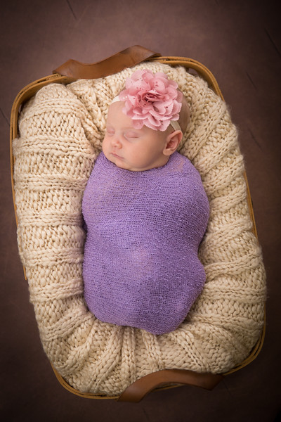 Brittany Button Newborn (37 of 47)