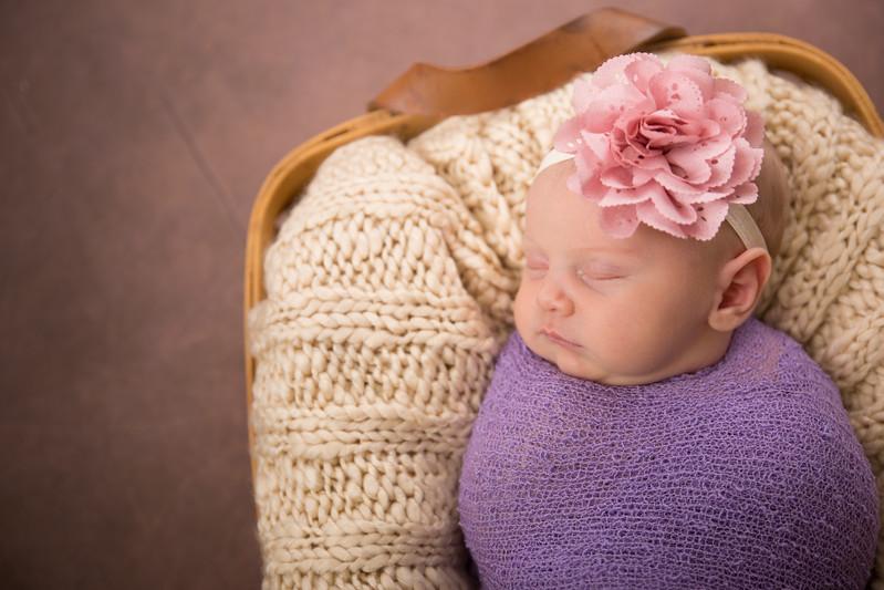 Brittany Button Newborn (38 of 47)