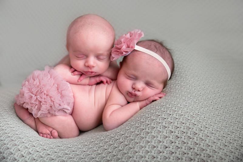 Twins newborn (1 of 1)