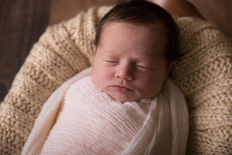 Kennidy newborn 2017 (31 of 62)