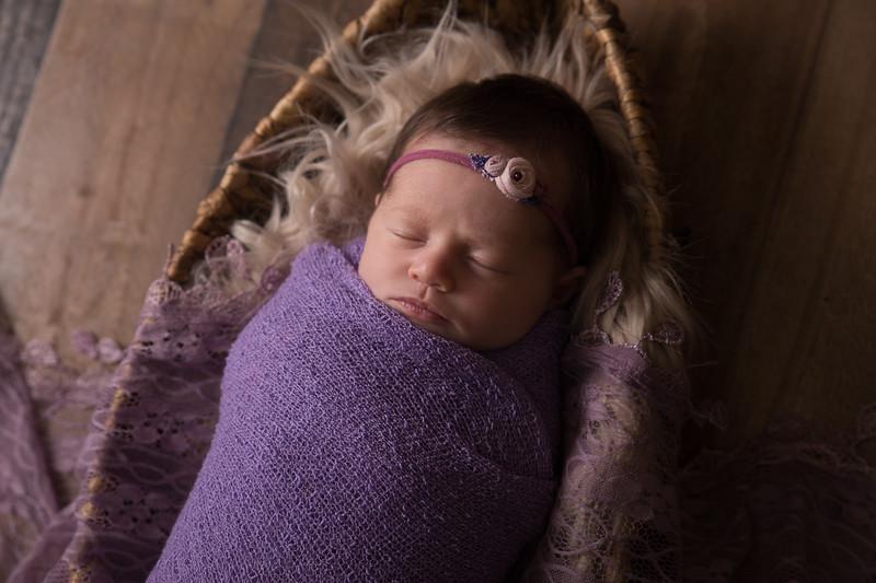 Kennidy newborn 2017 (23 of 62)