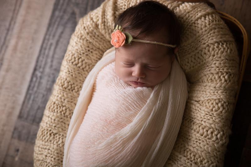 Kennidy newborn 2017 (34 of 62)