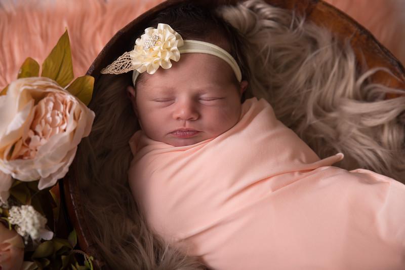 Kennidy newborn 2017 (7 of 62)