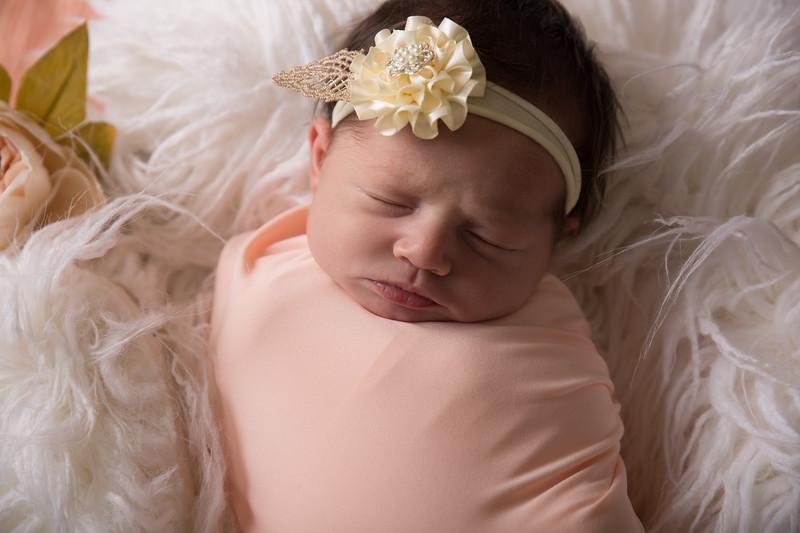Kennidy newborn 2017 (11 of 62)