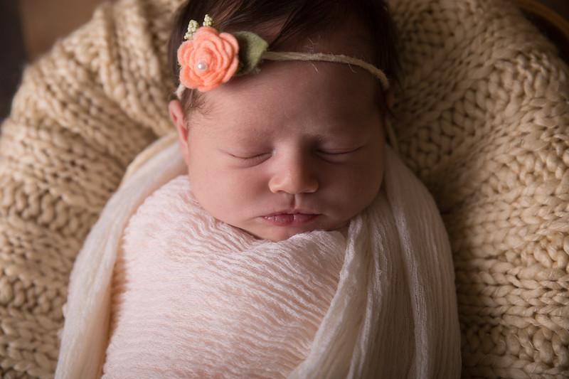 Kennidy newborn 2017 (32 of 62)