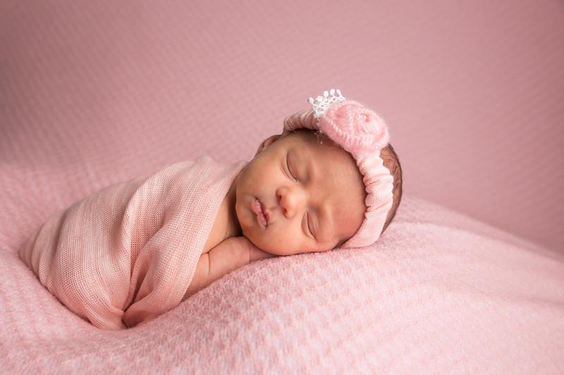 Melissa Reese newborn (14 of 82)