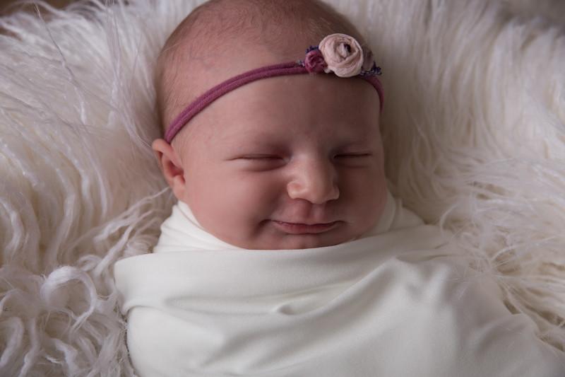 Paislee Newborn Proofs (28 of 77)