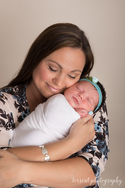 Shauna Saya Newborn (71 of 98)