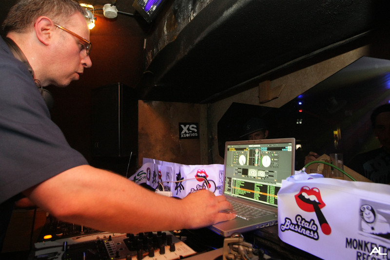 Minimal vice part 2 - DJ Vadim - Dj Food