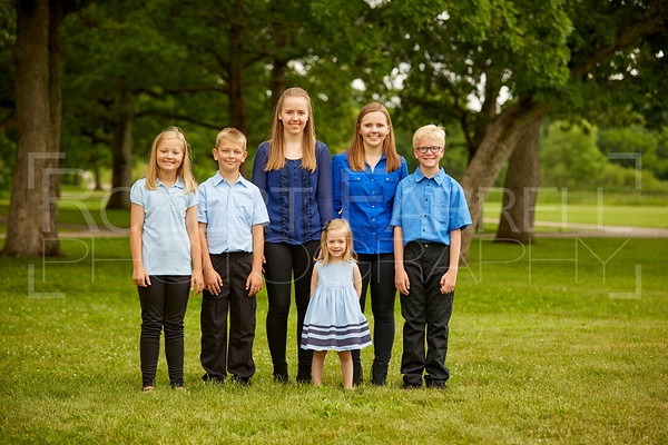 FamilyPortrait-17Jun17-Img-0077
